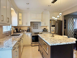 Elegant Transitional Style Kitchen with Alaska White Granite