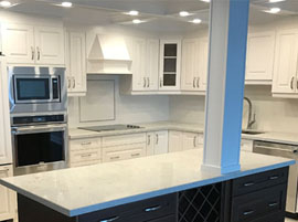 Quartz Kitchen Countertop & Island